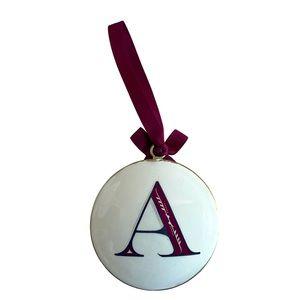 Beautiful A polished traditional Christmas ornament